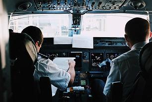 השמצה בשחקים: מנהל בית ספר לטיסה יפוצה ב-30,000 שקל על לשון הרע