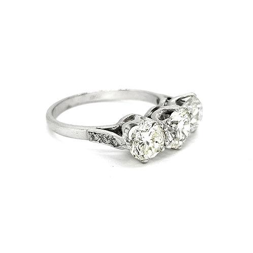 Three stone diamond ring TDW2.67CTS