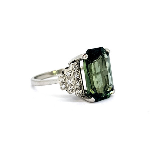 Green sapphire and diamond ring GS7.47CTS D0.25CTS