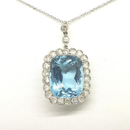 Aquamarine and diamond pendant art deco.