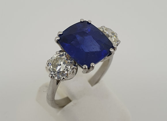 Natural Madagscan Cornflower blue sapphire and diamond ring