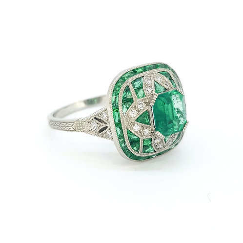 Colombian emerald and diamond ring Platinum