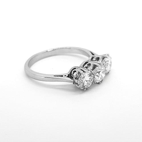 Diamond three stone ring D1.90Cts Gcol Si1