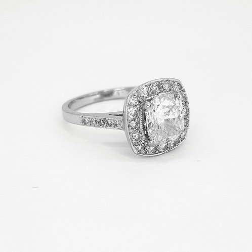 Diamond cluster ring cs1.70cts +.44cts