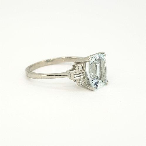 Aquamarine platinum diamond ring A2.20CTS D0.20CTS