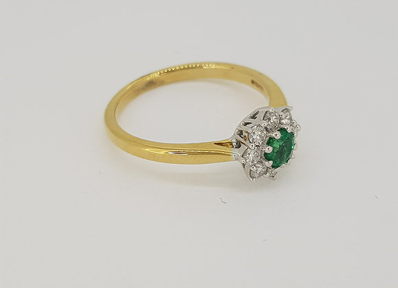 Emerald and diamond cluster ring e.025cts d0.25cts