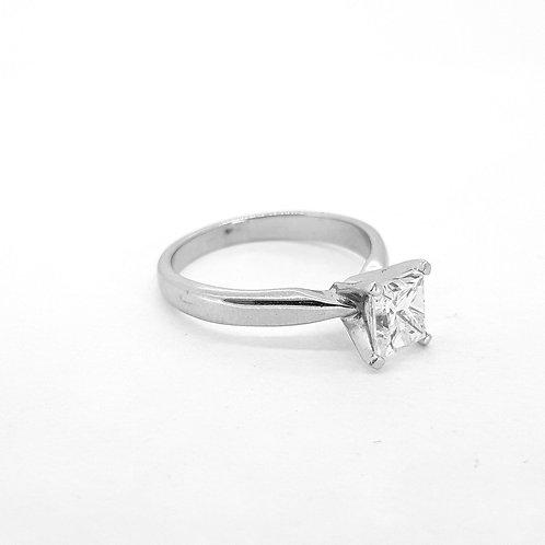 Princess cut single stone ring icol. Vs