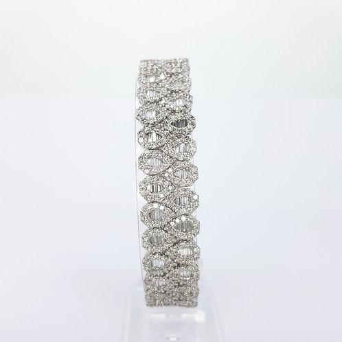 Contemporary diamond bracelet 40gms  est.16.35CTS