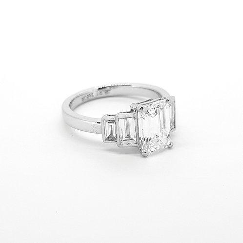 Emerald cut diamond ring D1.75cts