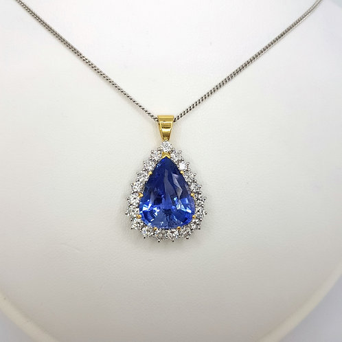 Natural sapphire and diamond pendant S8.58Cts D2.0Cts Madagasgan certed.