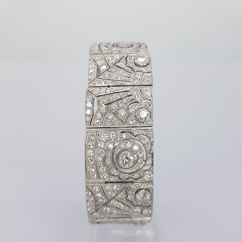 Deco style diamond bracelet 81grms 18ct dw16.50cts