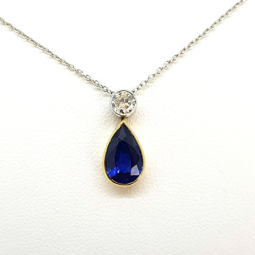 Sapphire and diamond pendant S1.77cts D.25cts