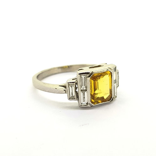 Yellow sapphire and baguette diamond ring YS1.40Cts D0.35Cts