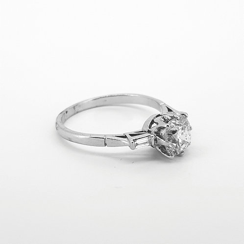 Solitaire diamond ring with baguette shoulders Old cut 1.41CTS