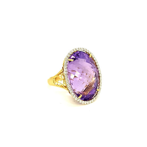 14Ct Amethyst and diamond ring est. 30.0CTS