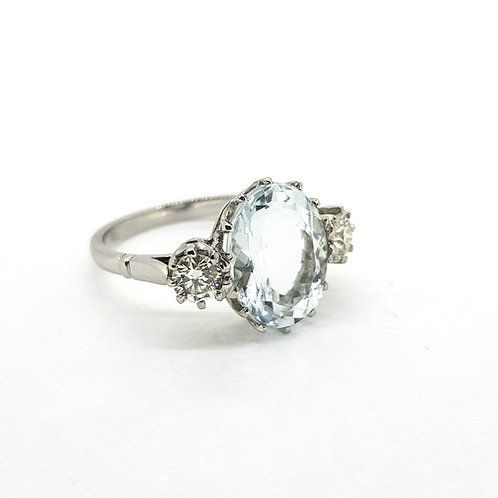 Platinum and Aquamarine diamond ring d.55cts a4.5cts