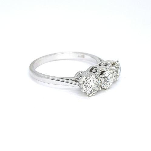 Diamond three stone ring TDW1.60CTS