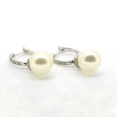 Freshwater pearl and diamond earrings 9.5mm 0.41Cts