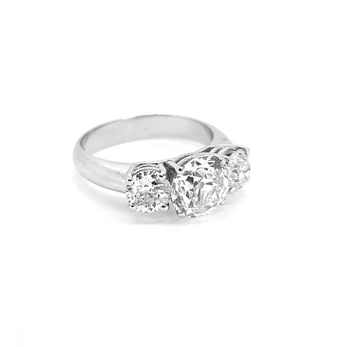 Trilogy diamond ring 3.37cts Total