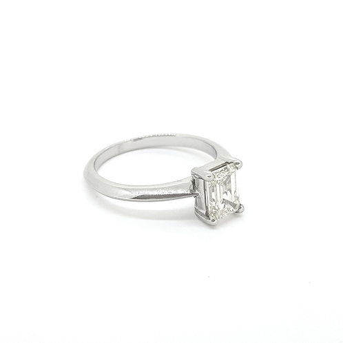 Platinum Emerald cut diamond ring 1.03Cts