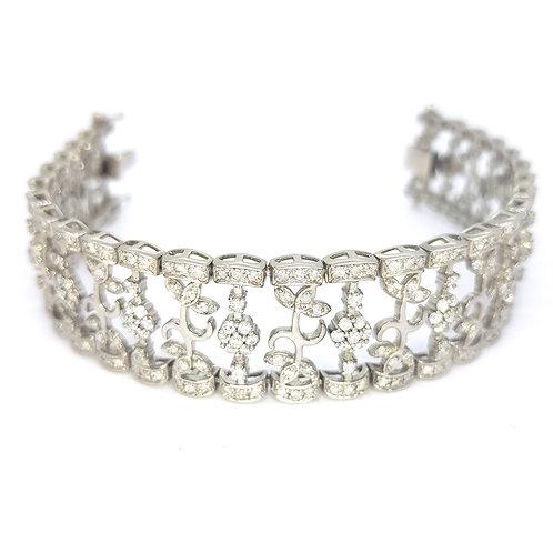 Diamond bracelet est min 6cts 18ct 34gms