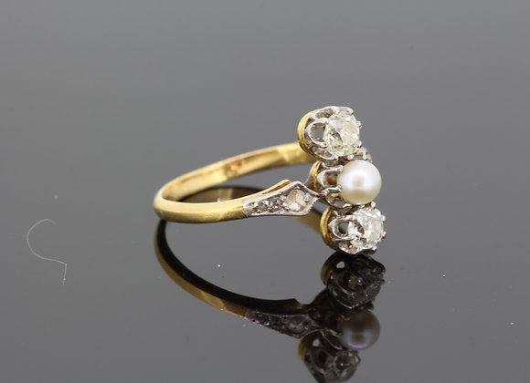 Natural Pearl and diamond trilogy ring