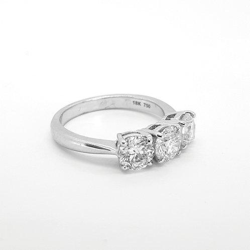 Three stone diamond ring TDW2.25Cts
