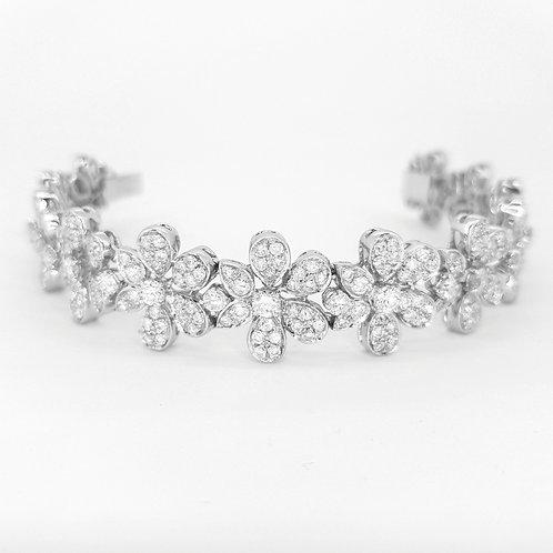 Diamond Daisy cluster bracelet Est.8Cts