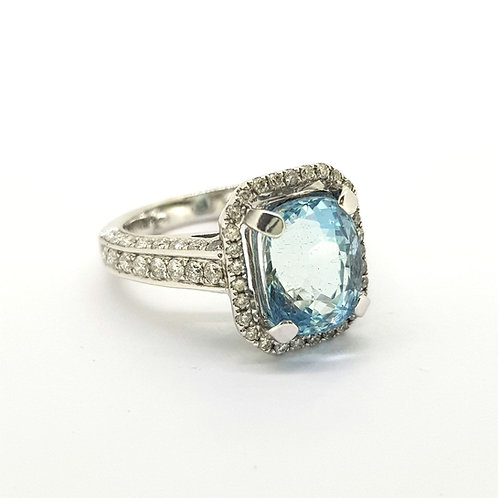 Aquamarine and diamond cluster ring A3.49Cts D1.40Cts