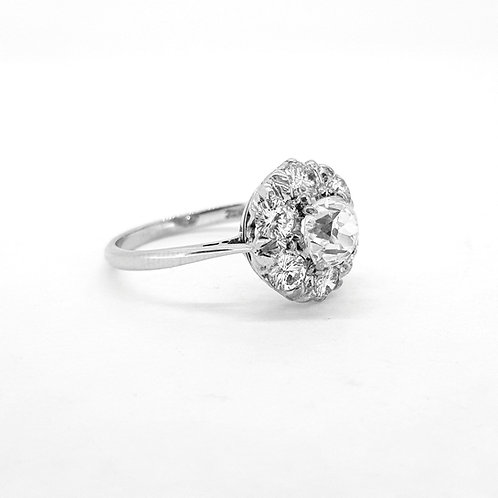 18ct old cut diamond ring Estimated Weights centre 1.0cts Outer 0.70cts