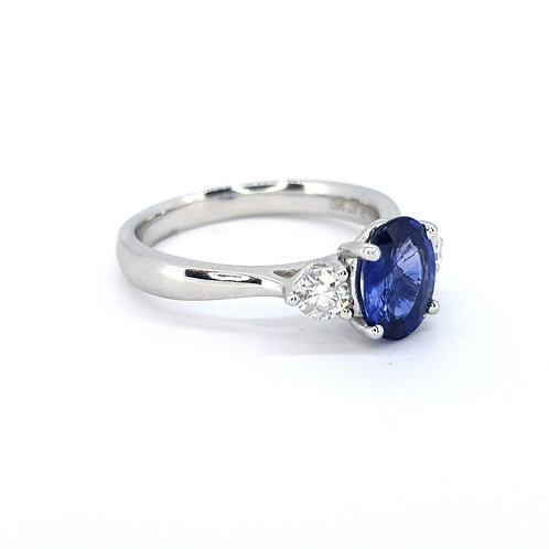 Sapphire and diamond three stone S1.41CTS D0.30CTS