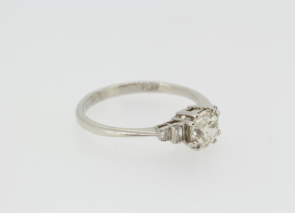 Solitaire diamond ring