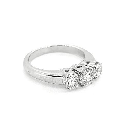 Three stone diamond ring est1.0cts