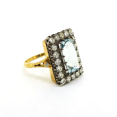 Aquamarine and diamond cluster ring d1.40cts a4.00cts