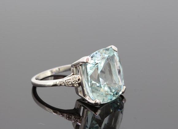 Platinum Aquamarine and diamond  ring a15.17cts