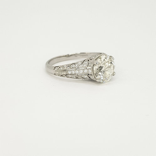 Art deco platinum and diamond ring D1.91CTS