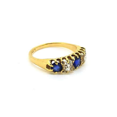 Antique sapphire and diamond ring 18Ct