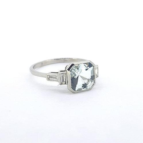 Aquamarine and baguette diamond ring