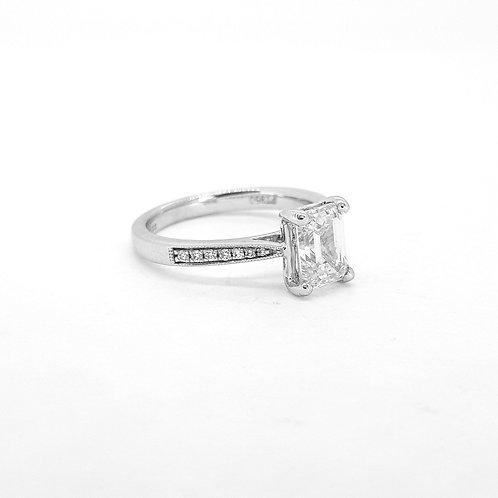 Emerald cut diamond single stone D1.53Cts platinum
