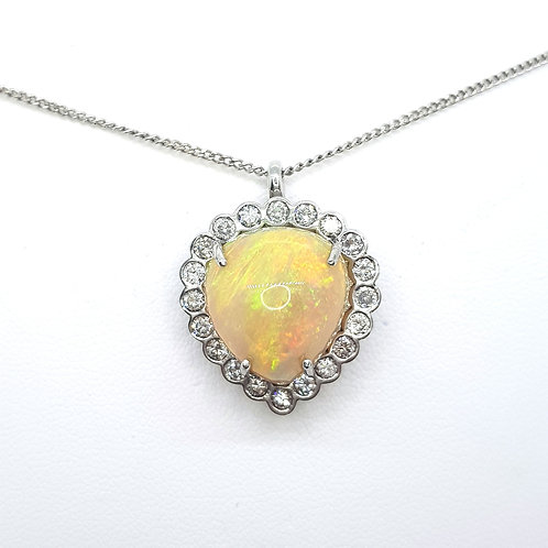 Opal and diamond cluster pendant OPest.10CTS D1.10CTS