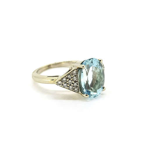Aquamarine and diamond cluster ring A3.0Cts D0.40Cts
