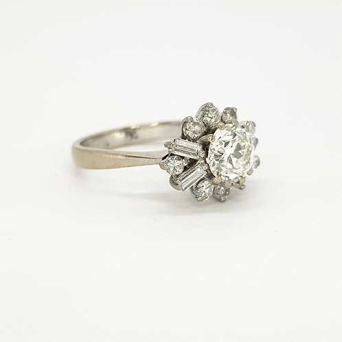 1960s 18ct diamond cluster ring est1.25cts