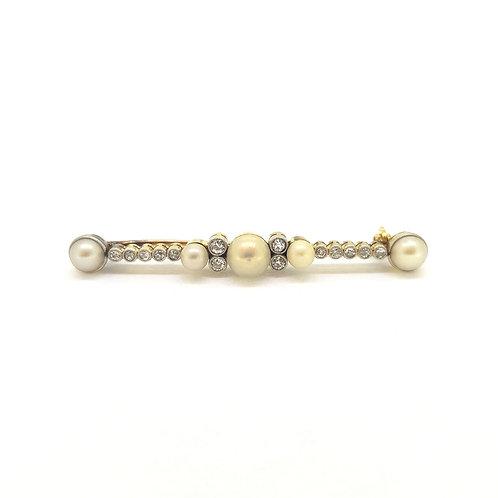 Pearl and diamond brooch platinum