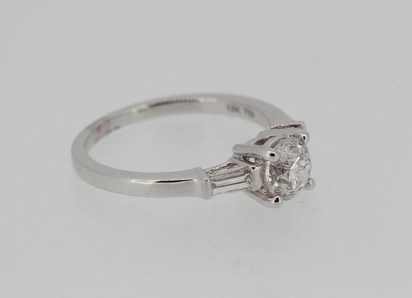 Solitaire diamond ring Dia1carat baguette side stones 0.25 cta
