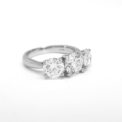 Platinum diamond three stone ring 3.36cts TDW
