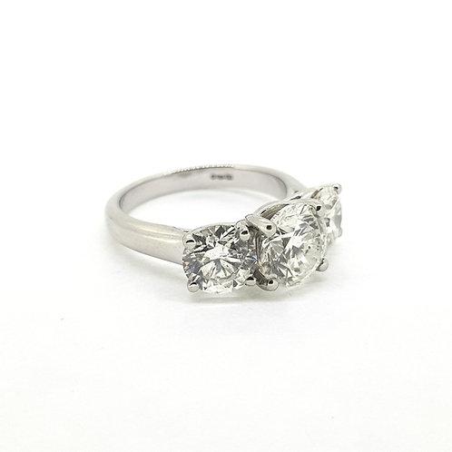 Platinum 3 stone Diamond ring, Total weight Est 4.50 carats