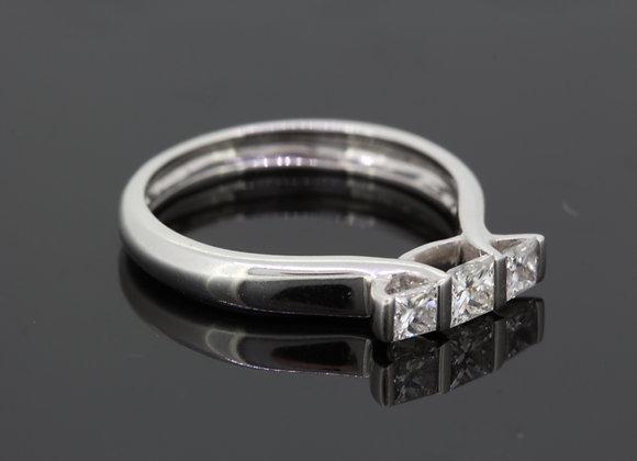 Three stone diamond ring d.48cts