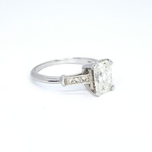 Radiant cut diamond ring platinum D1.18CTS