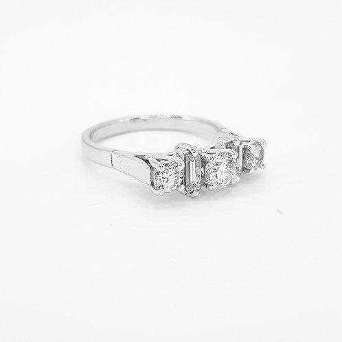 18 carat 5 stone diamond ring estimated 75 points