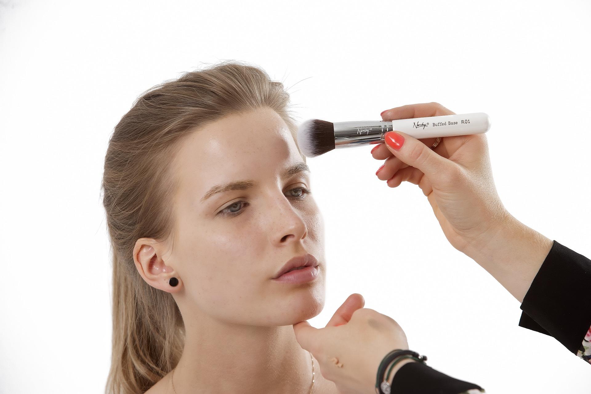 makeup-brushes-824705_1920